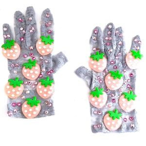 PINK STRAWBERRY GREY LACE GLOVES